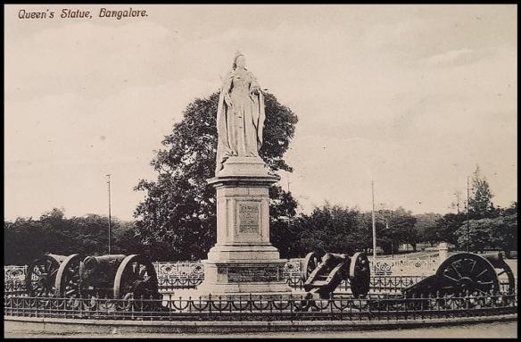 Queens statue
