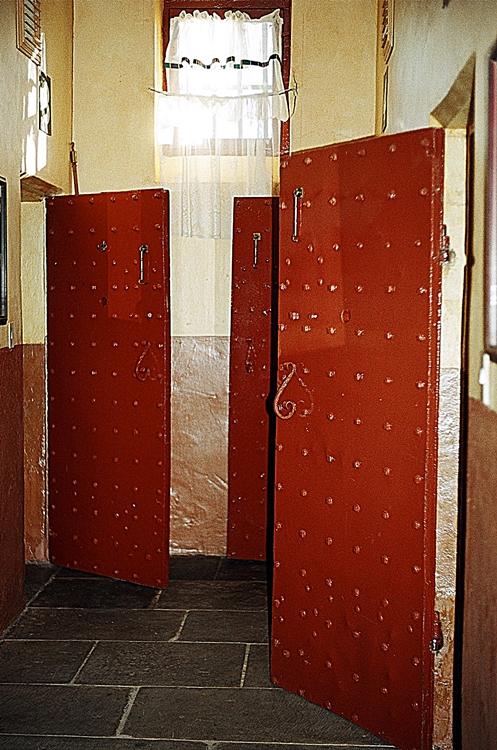 Z 6 Jail cells